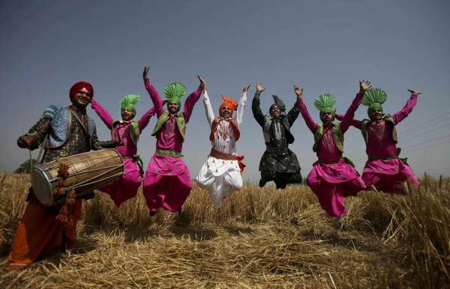 essay on national festivals of india in kannada