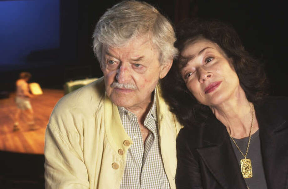 Hal Holbrook and wife Dixie Carter starred in the Alley Theatre's world premiere of Ken Ludwig's comedy Be My Baby in 2005. Carter, who died at the age of 70, had been married to Holbrook for more than 20 years. Photo: Ben DeSoto, Houston Chronicle