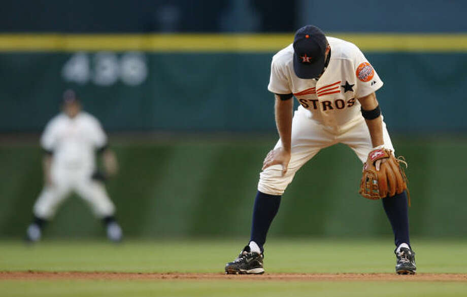 Astros second baseman Jeff Keppinger hangs his head during the third inning. Photo: Karen Warren, Chronicle