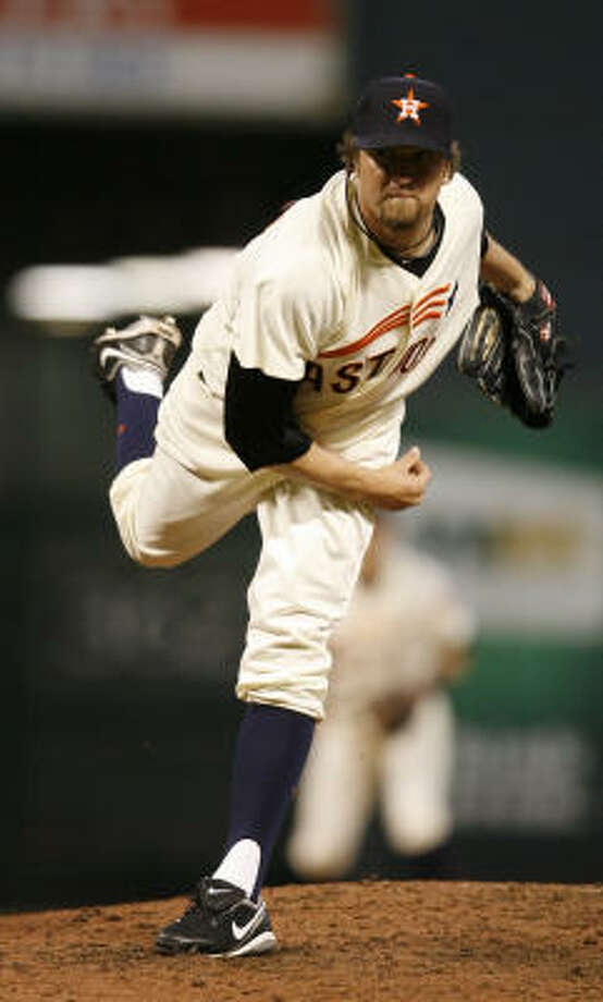 Astros relief pitcher Brandon Lyon delivers during the seventh inning. Photo: Karen Warren, Chronicle
