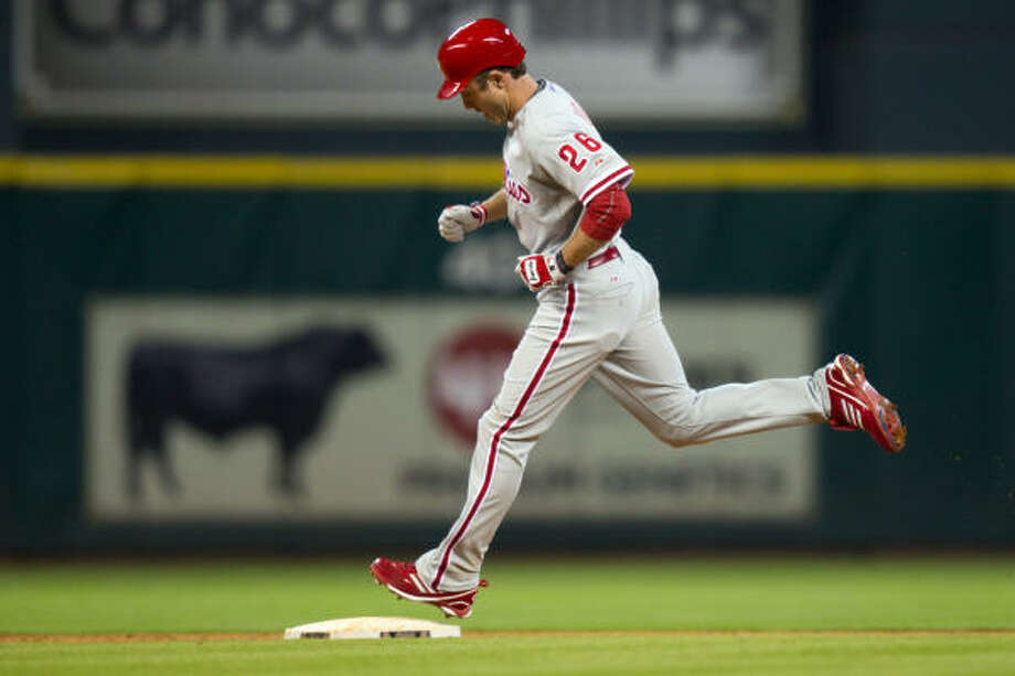 Phillies second baseman Chase Utley rounds the bases after hitting a home run off of Astros relief pitcher Wilton Lopez during the fourth inning. Photo: Smiley N. Pool, Chronicle
