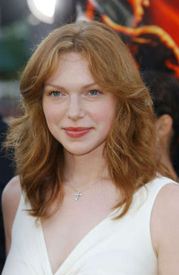 """Laura PreponFormerly redheaded Donna on That '70s Show, Prepon's not too vocal about her religion, saying """"When I hear something negative, I don't get defensive. I know what's true for me and what works for me.""""  She was introduced to the faith by her ex-boyfriend Chris Masterson and his brother Danny. Photo: Robert Mora, Getty Images"""