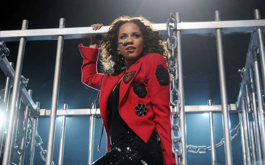 Alicia Keys performs in Houston. Photo: Dave Rossman, Chronicle