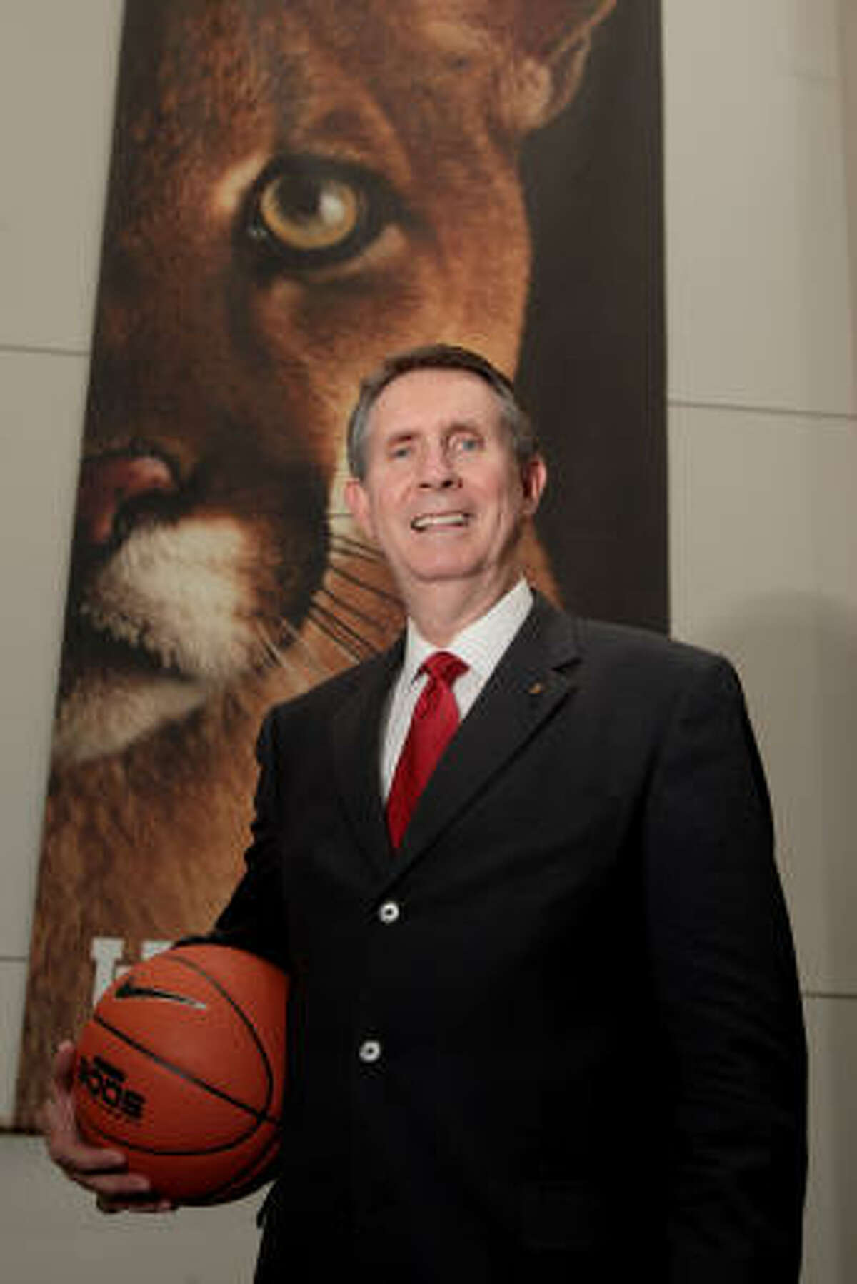 James Dickey becomes the eighth head men's basketball coach in UH history.