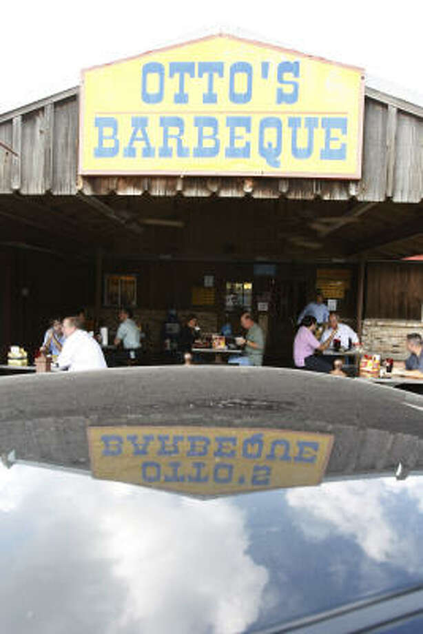 Otto's Barbeque at 11222 Fountain Lake Drive is great for sitting outside while you eat. Photo: Nick De La Torre, Houston Chronicle