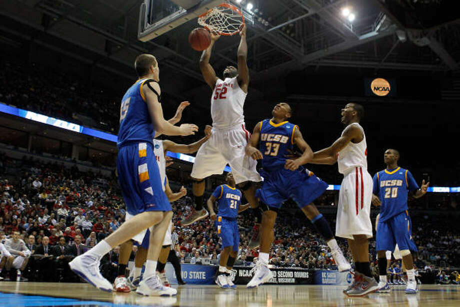 March 19: No. 2 Ohio State 68, No. 15 UC Santa Barbara 51  Ohio State's Dallas Lauderdale slams home a dunk in the second half. Photo: Jonathan Daniel, Getty Images