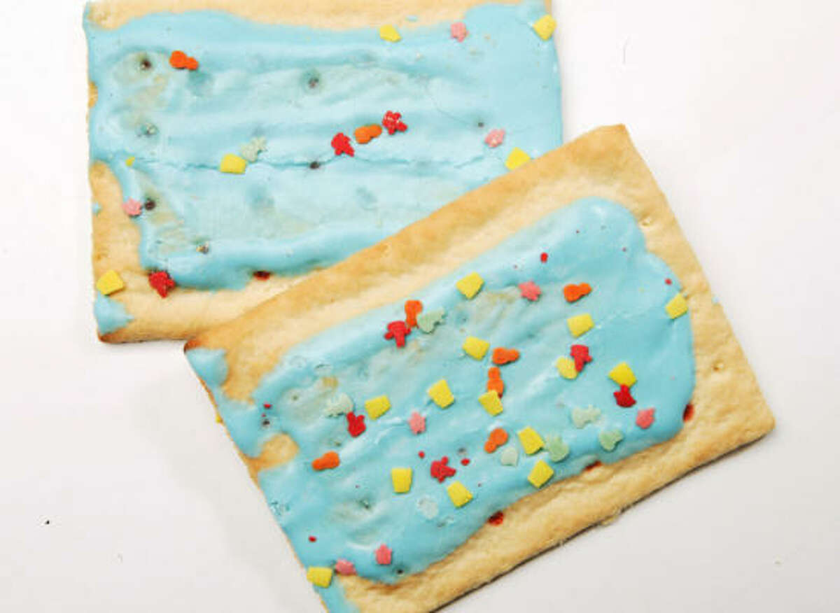 1 frosted pop tart contains: Calories: 200; Calories From Fat: 45; Total Fat: 5g; Sugar: 16g. This breakfast