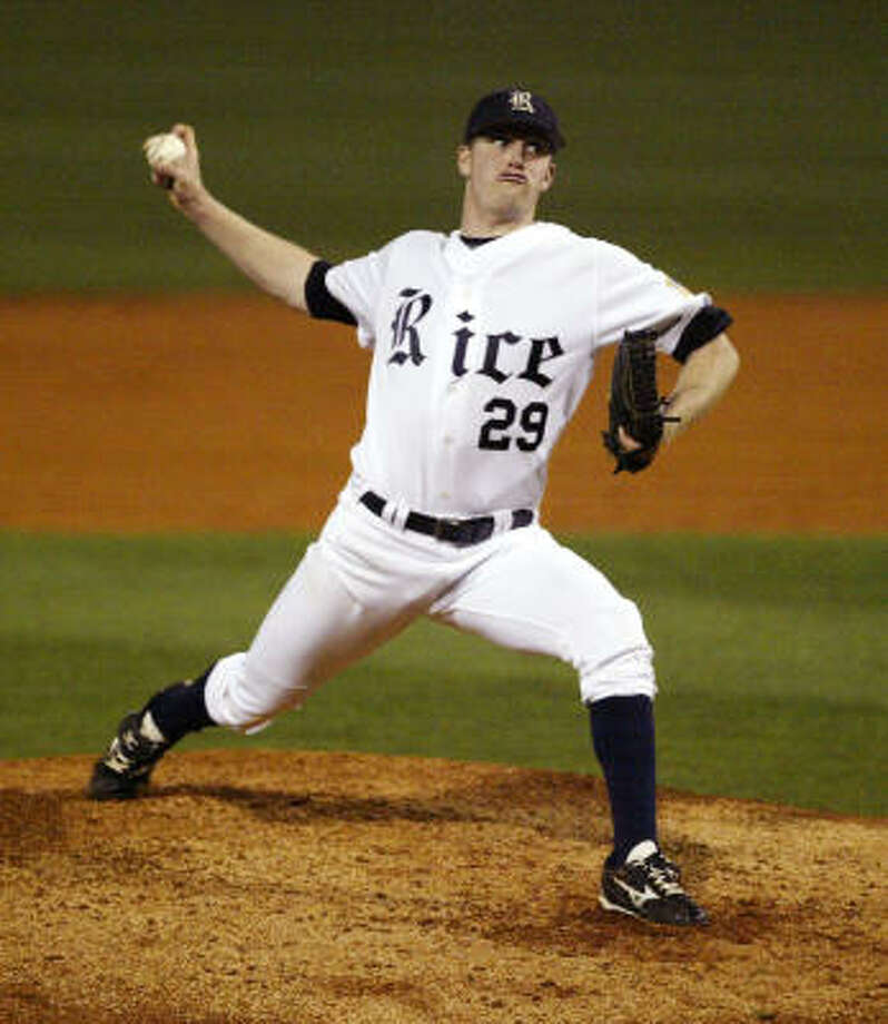 Owls pitcher Matthew Reckling throws against the Texas Longhorns. Photo: Billy Smith II, Chronicle