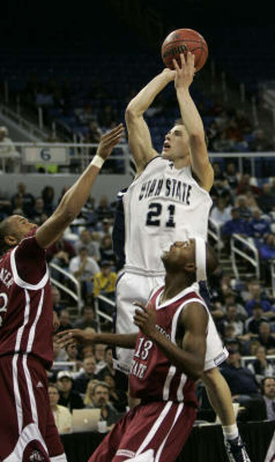 Utah State  Record: 27-7   Conference: Western Athletic  Photo: Rich Pedroncelli, AP