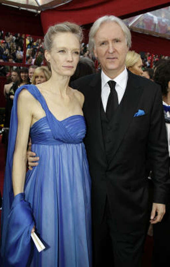 GET SOME MEAT ON THEM BONES: James Cameron's wife Suzy Amis looks skinnier than a runway model. Somebody give her a cheeseburger before she passes out. Photo: Amy Sancetta, AP