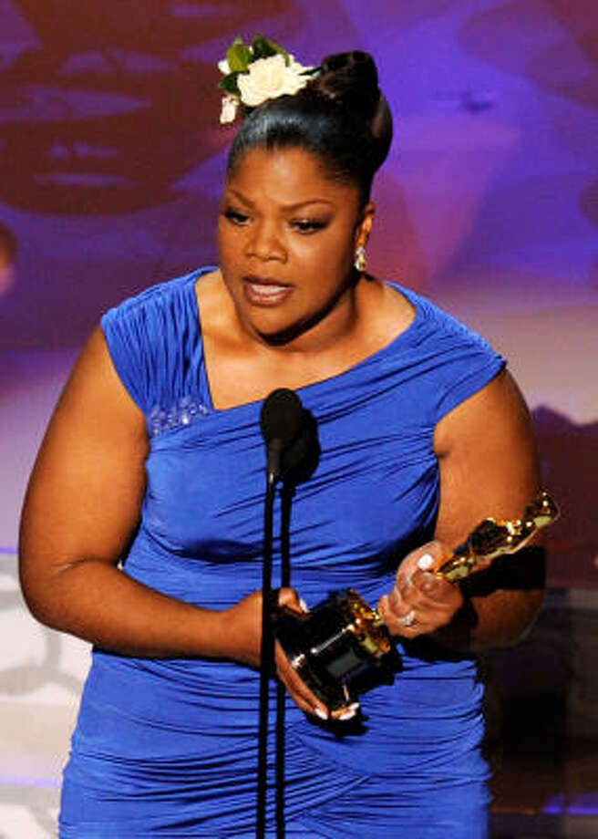 "Awk-waaard: Mo'Nique acceptance speech included a thank you to her husband for ""showing me that sometimes you have to forgo doing what's popular in order to do what's right."" A nod to recent revelations on her open marriage perhaps? Photo: Kevin Winter, Getty Images"