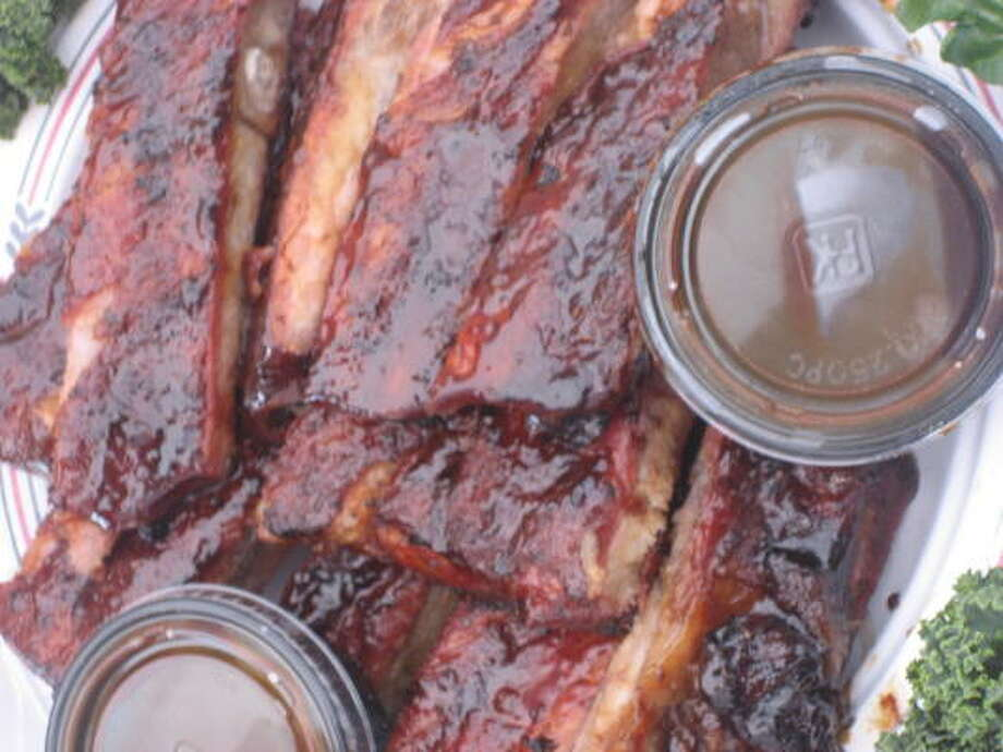 Barbecued pork ribs Photo: Greg Morago, Chronicle