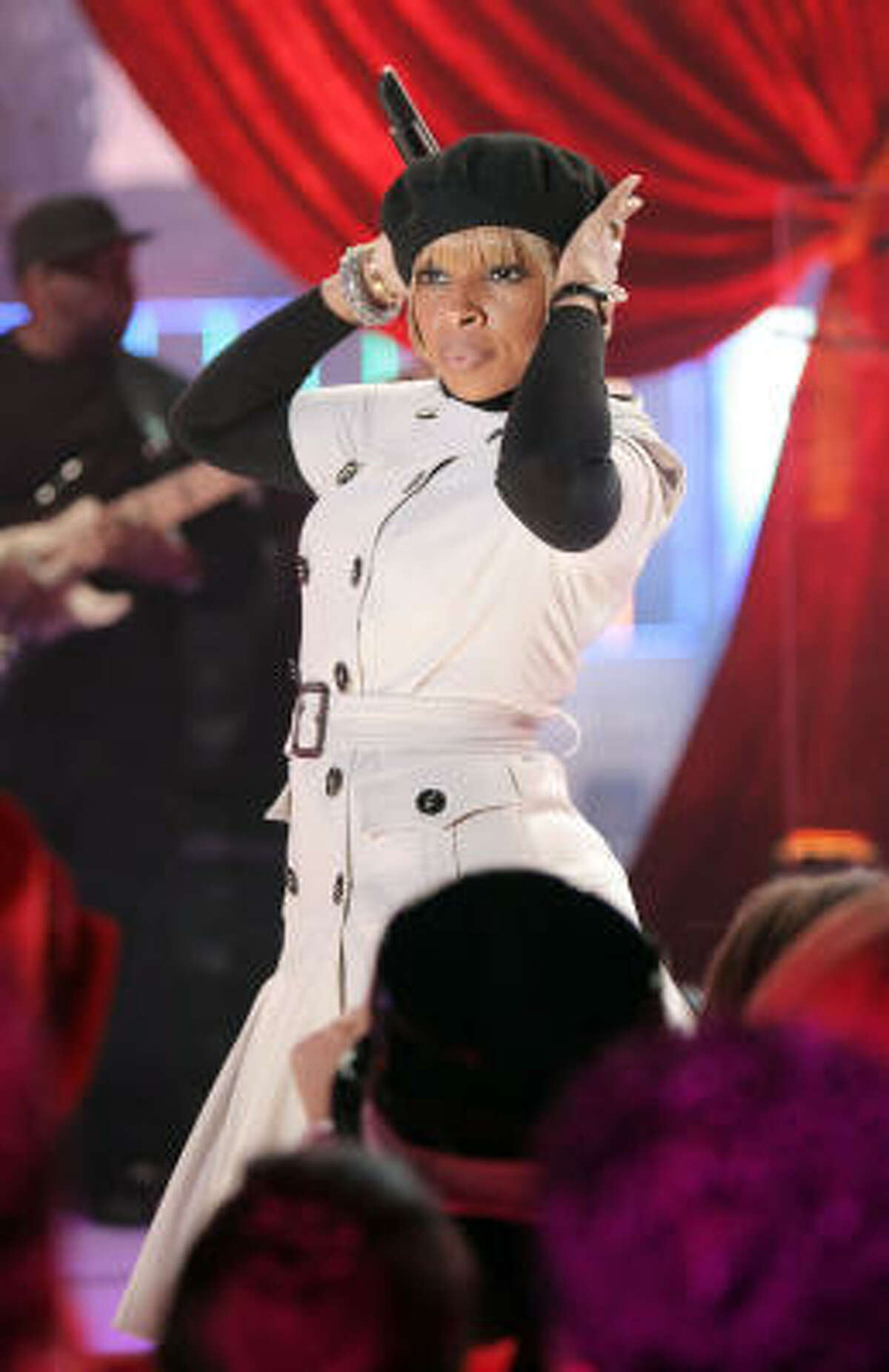 The beret goes urban with Mary J. Blige at the MTV studios in New York.