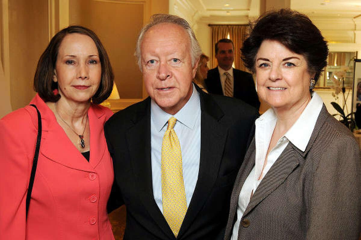 From left: Jane Johnstone, Judge Mike McSpadden and Karen Royce