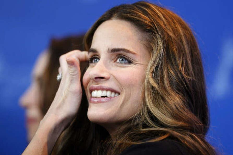 Amanda Peet wants all parents to vacc