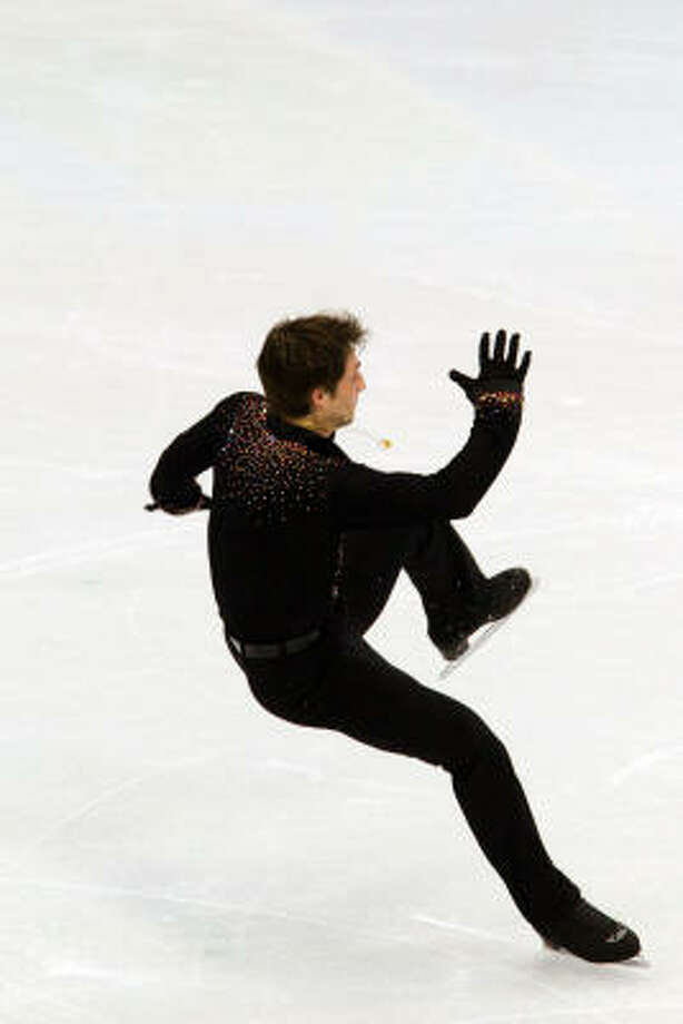 Brian Jobert of France can't stay on his skates. Photo: Smiley N. Pool, Chronicle Olympic Bureau