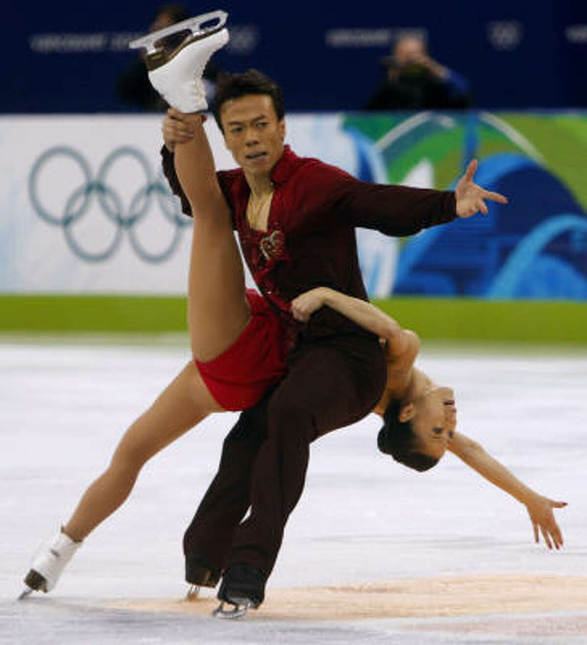 Xue Shen and her fiance Hongbo Zhao of China captured the gold after winning bronze in 2002 and 2006.