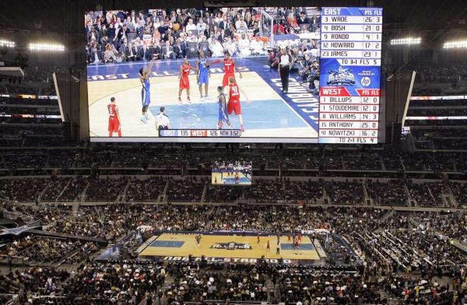 A record crowd of 108,713 attended Sunday's NBA All-Star Game at Cowboys Stadium. Photo: Tony Gutierrez, AP
