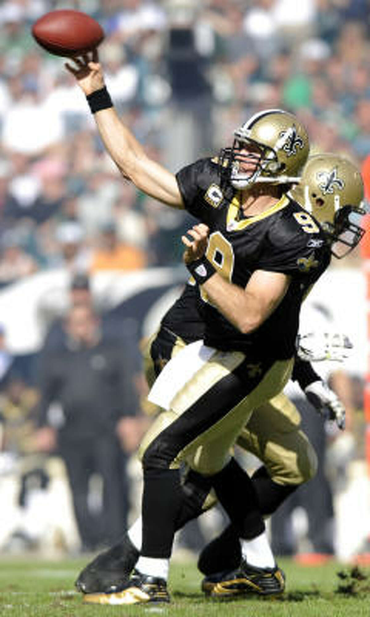 Sept. 20: Saints 48, Eagles 22 Record: 2-0 Drew Brees tossed three more touchdown passes, and the Saints rolled past an Eagles team missing Donovan McNabb because of a cracked rib. Making his first NFL start, Kevin Kolb threw for 391 yards and two touchdowns, including a 71-yard scoring pass to DeSean Jackson. Kolb also threw three interceptions, though, including one returned 97 yards for a TD by Darren Sharper in the final minute. Brees, who had six TD passes last week, picked up where he left off, completing 25 of 34 passes for 311 yards and one interception.