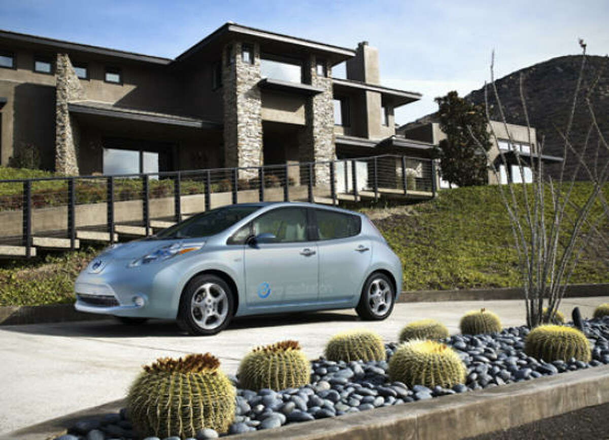 Unlike internal-combustion engine vehicles, the LEAF's power train has no tail pipe, and thus no emission greenhouse gases.