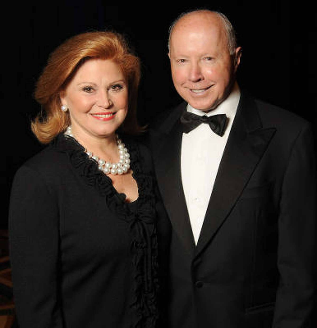 Honorees Jan and Dan Duncan at the Denton A. Cooley Leadership Award Dinner benefiting the Texas Heart Institute at the Hilton Americas-Houston.