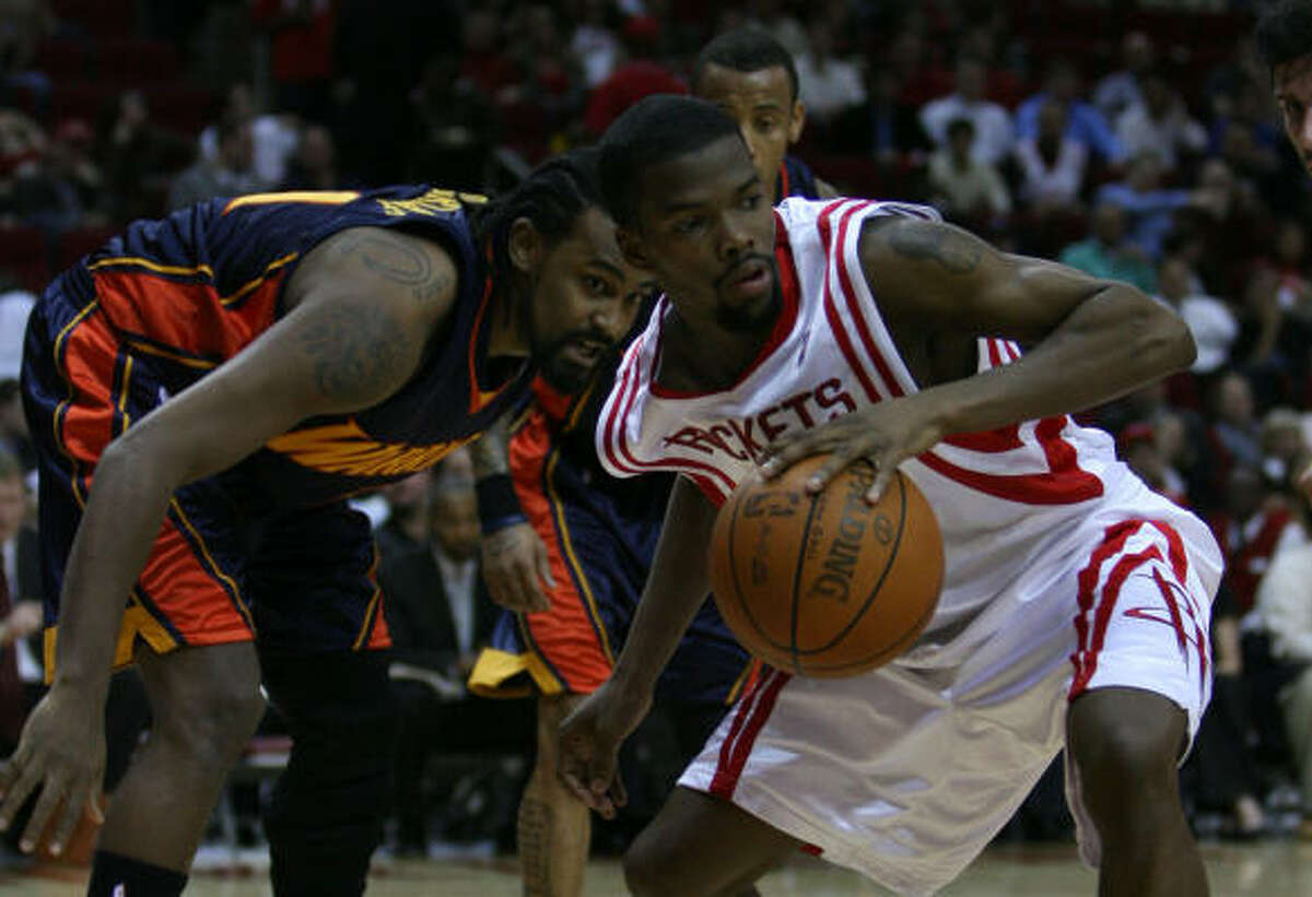 Rockets guard Aaron Brooks scored 24 points to lead the team's scoring along with Carl Landry.