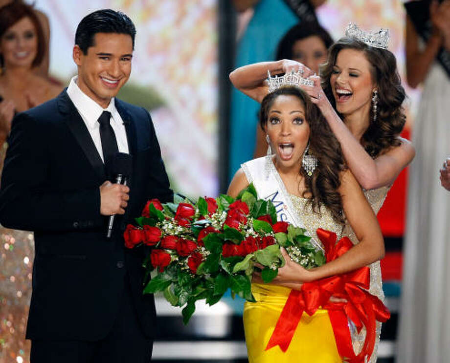 Saved by the Bell alum Mario Lopez hosted the show, which ended with Miss America 2009 Katie Stam crowning her successor, Virginia's Caressa Cameron. Photo: Ethan Miller, Getty Images