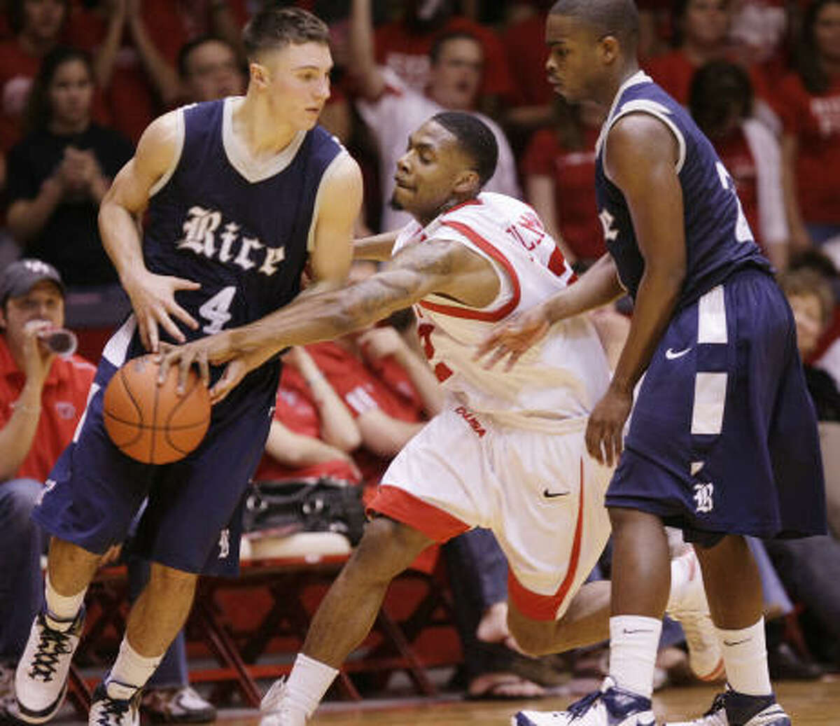 Aubrey Coleman, center, received his first taste of the UH-Rice rivalry Feb. 7, 2009. He recorded 27 points and 12 rebounds to lead the Cougars to a 72-65 win.