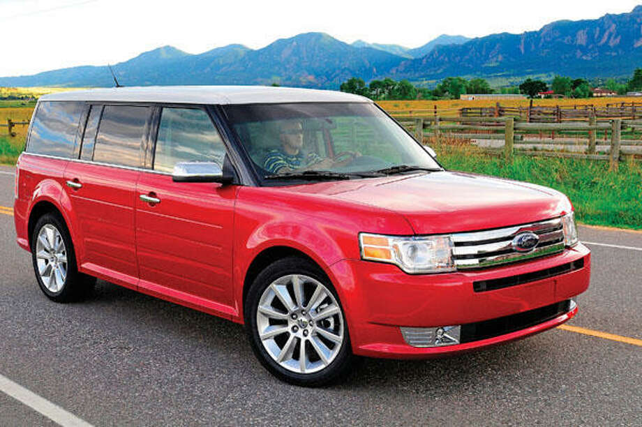 Ford Flex2014 sales: 23,822Engine: Twin-turbocharged 3.5-liter; EcoBoost V-6 engineAverage price: $30,000Source: Car and Driver Photo: Ford
