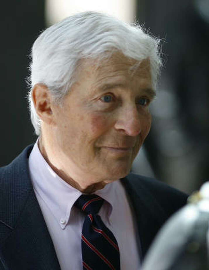 "Robert Mosbacher Sr. at the unveiling of a statue of the late Houston philanthropist, banker and World War II aviator Benton ""Ben"" F. Love in the main lobby of the JPMorgan Chase Tower in October 2007. Photo: Steve Ueckert, Houston Chronicle"