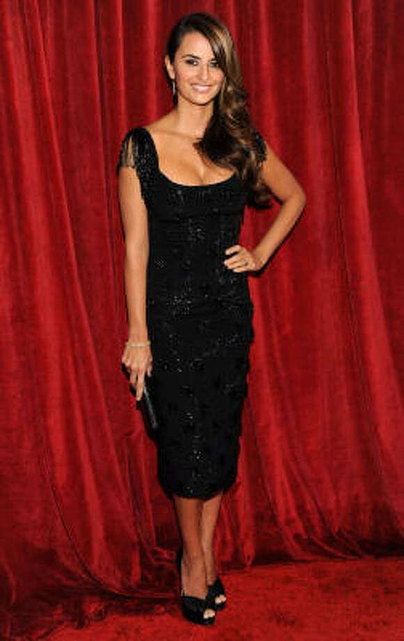 Penelope Cruz was, surprise!, flawless in a L'Wren Scott black dress. Photo: Vince Bucci, AP