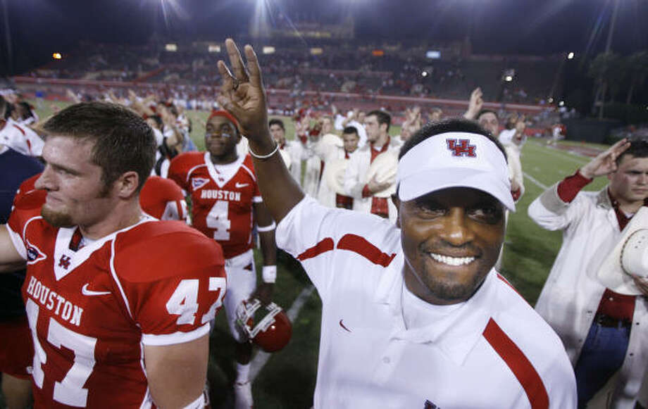 Sumlin era begins: Kevin Sumlin opened his head coaching career with a dominant 55-3 win over Southern on Aug. 30, 2008 at Robertson Stadium. Photo: Billy Smith II, Chronicle
