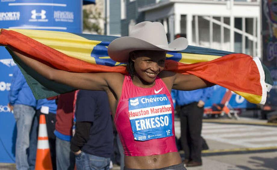 2010 Women's - Teyba Erkesso - 2:23:53- Ethiopia- Ethiopia Photo: James Nielsen, Chronicle
