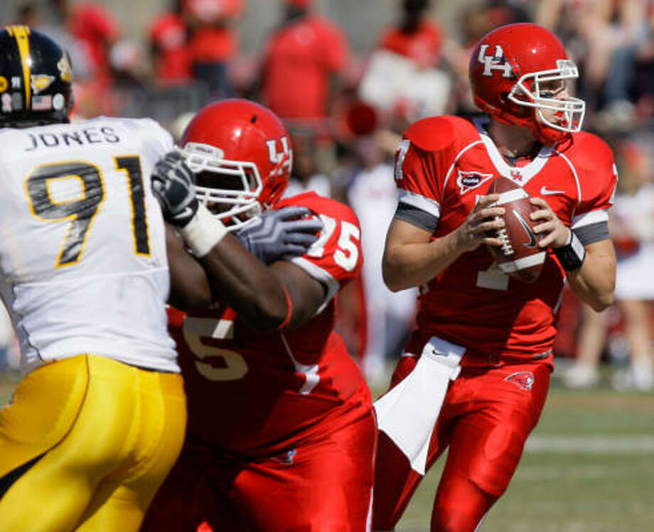 Oct. 31: UH 50, Southern Mississippi 43 44-54, 559 yards, 5 TD, 1 INT Photo: Melissa Phillip, Chronicle
