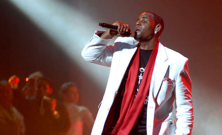 R. Kelly will be at Shaquille O'Neal's All Star Comedy Jam, Feb. 17 at Arena Theatre, 7326 Southwest Freeway.  Photo: Michael N. Todaro, Getty Images