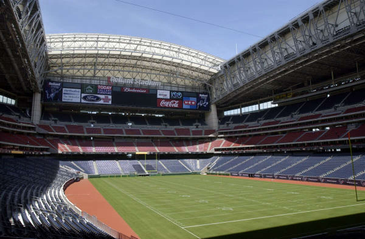 NRG (Reliant) Stadium 's retractable roof - though rarely opened - still lets in plenty of natural light even when closed. You have to admit that this open-air look does make for a better fan experience.