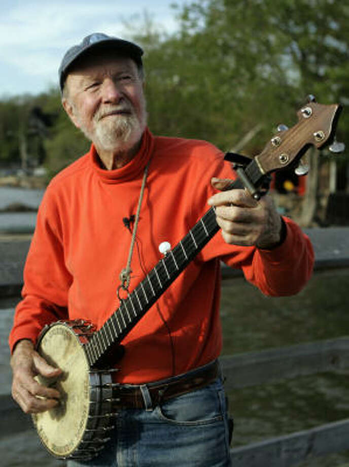 Nearing 90, folk singer Pete Seeger still sings, but a new set of CDs preserves his earlier, stronger voice. Photo: FRANK FRANKLIN II:, ASSOCIATED PRESS