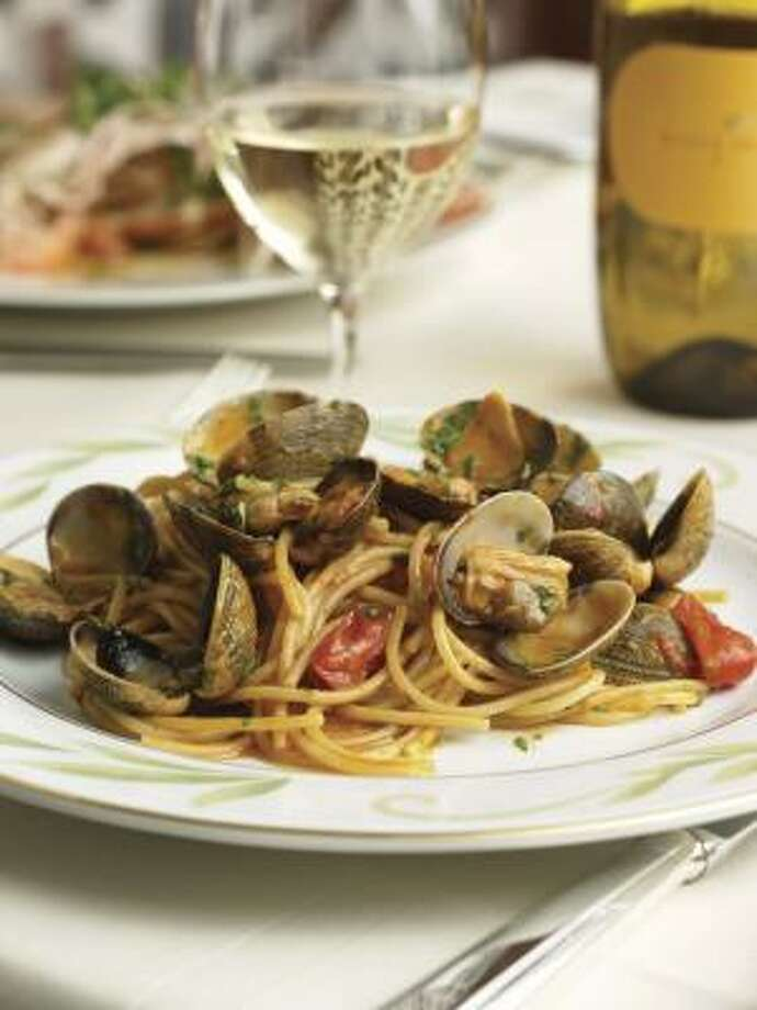 Bartolotta Ristorante di Mare: Spaghetti with clams Photo: Wynn Las Vegas