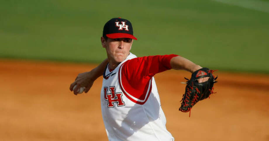UH starting pitcher Jared Ray is fully healed after missing the entire 2010 season and most of 2011 with arm injuries.  Photo: Nick De La Torre, Chronicle