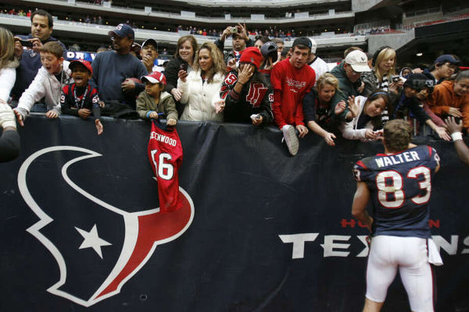 Even though the Texans are one of the league's high-revenue teams, their average ticket price will rank in the bottom half of the NFL. Photo: Karen Warren, Houston Chronicle