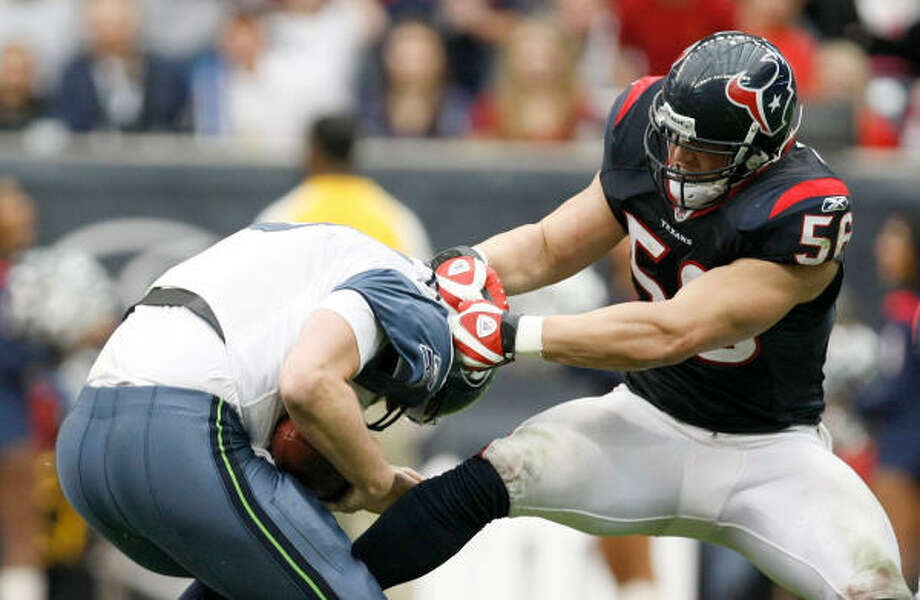 The Texans' seven sacks in the last two games accounts for nearly a third of the season's total. Photo: Nick De La Torre, Chronicle
