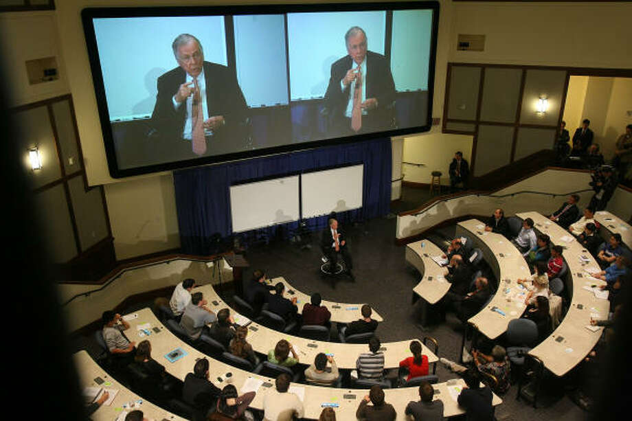 "T. Boone Pickens presented ""The Pickens Plan"" on Tuesday at Rice University, a campaign he launched in August to get the U.S. to reduce its reliance on foreign oil. Pickens said the fact that he didn't discuss wind energy during his talk was an oversight. Photo: Mayra Beltran:, Chronicle"