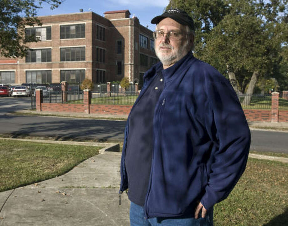 Orell Fitzsimmons, field director of United Labor Unions Local 100 in Houston, has competition from a new union started by one of his former employees. The Service Employees International Union recently revoked the charter of Local 100. Photo: James Nielsen:, Chronicle