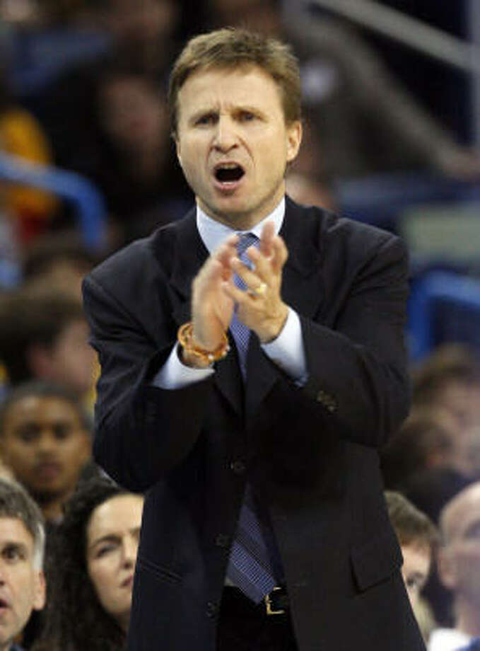 Oklahoma City Thunder interim coach Scott Brooks, a former Rocket, is staying positive in his attempt to turn around the Thunder. Photo: Ann Heisenfelt, AP