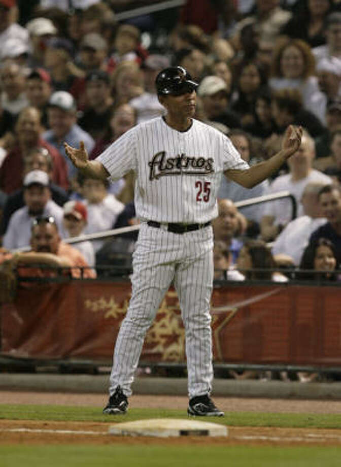 Jose Cruz and the coaching staff were given permission to seek other employment when Cecil Cooper was fired. Photo: Julio Cortez, Chronicle