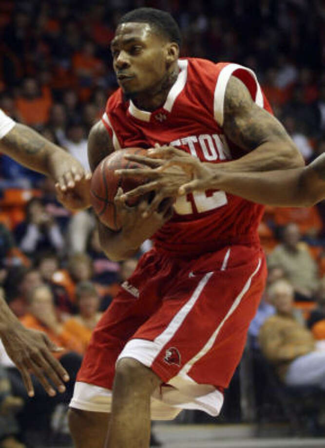 Houston junior guard Aubrey Coleman will return from his suspension for the game against Memphis. Photo: Victor Calzada, AP