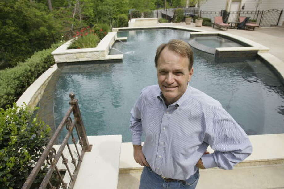 Steve Toth of Acclaim Pools in The Woodlands says potential customers are putting things on hold until the economy improves. Photo: Melissa Phillip, Chronicle