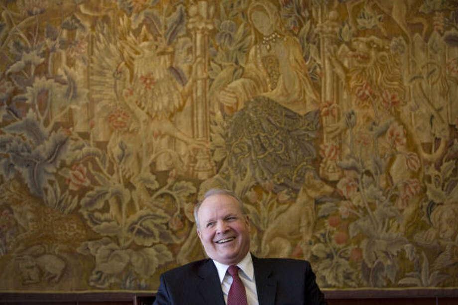 Former UT Austin President Larry Faulkner Photo: Johnny Hanson :, Chronicle