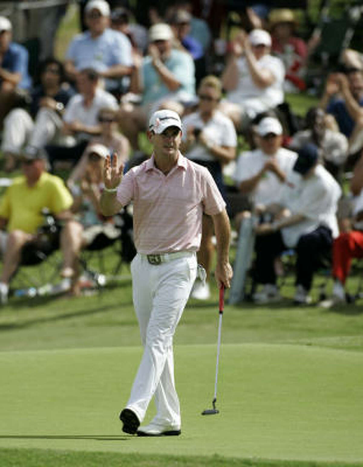 Rory Sabbatini joined many players and caddies in wearing pink in support of Amy Mickelson.