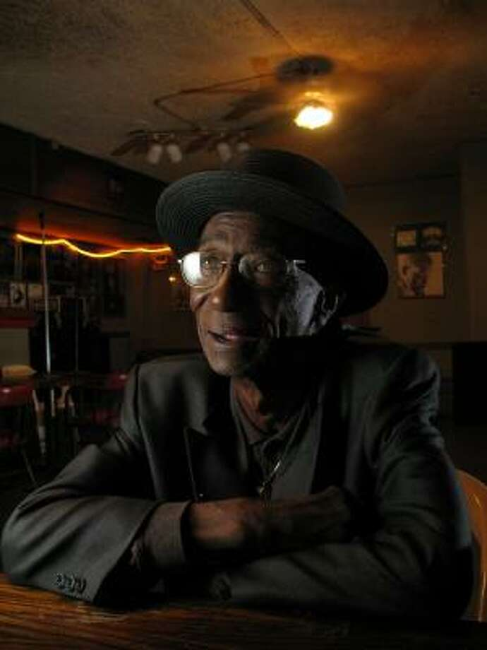 Earl Gilliam, 79, is one of Houston's oldest living blues players, and his life stories are just as entertaining as the songs he writes and performs. Photo: Steve Ueckert :, Chronicle